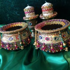 Mehndi decoration pots, the perfect accessory for the Mehndi table