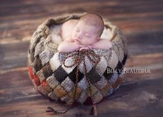 Knitting pattern for Entrelac basket that can be used for home decor or newborn baby photo prop by Melody's Makings on ETSY. Baby Knitting Patterns, Baby Patterns, Free Knitting, Charity Knitting, Knitting Needles, Crochet Patterns, Newborn Photography Props, Newborn Photo Props, Newborn Photos