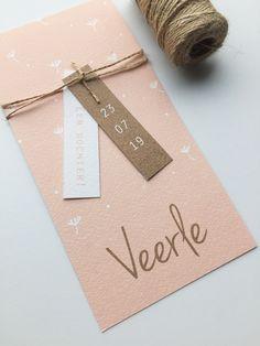 Geboortekaartje met bloemetjes en ruimte voor een label | Geboortekaart | Geboortekaartjes | Labels | DIY |