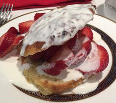 Mystery Lovers' Kitchen: It's a Strawberry kind of day + giveaway