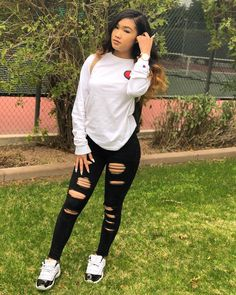 Teen Fashion - Outfits for Teens Vans Slip On Outfit, Vans Old School Outfit, Cute Outfits For School, Teenage Girl Outfits, Teen Fashion Outfits, Outfits For Teens, Summer Outfits, Teenage Clothing, Popular Outfits