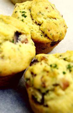 Perfekt til tur, lunsj, mellommåltid eller kveldsmat: Grove muffins med mat i - Vektklubb Muffins, Breakfast, Food, Morning Coffee, Muffin, Essen, Meals, Yemek, Eten