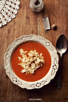 Pumpkin, tomato & baked garlic soup