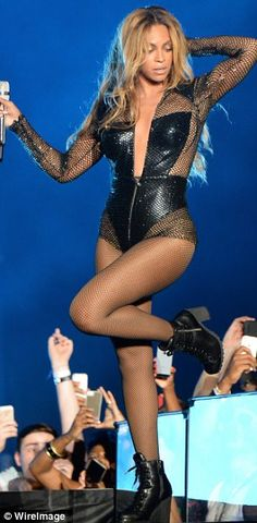 513b44b5d2 Beyonce perform during opening night of the