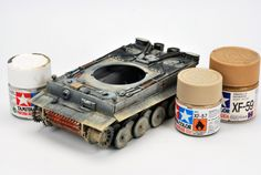 Colored Pencil Techniques, Modeling Techniques, Modeling Tips, Big Bottle, Model Tanks, Military Modelling, Air Brush Painting, Acrylic Resin, Paint Cans