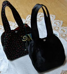 Tulip Totes -- Black and Red by MistyMeadowTreasures on Etsy