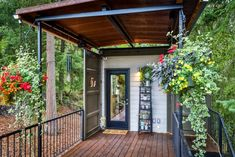 Couple Build Amazing Shipping Container Home For Debt-Free Living Work Shop Building, Building A House, 40ft Shipping Container, Shipping Containers, Usa Living, Debt Free Living, Building A Container Home, Tiny House Movement, Dream House Exterior