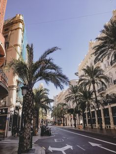 European Honeymoon Destinations, Travel Destinations, Valencia Spain Beach, Alicante, Spain Honeymoon, Backpacking Spain, Madrid, Travel Aesthetic, Beautiful Places To Visit