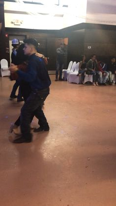 Losssss bsfff // only Mexicans would understand Lmfaoo🇲🇽🅿️😂. Bachata Dance, Dance Moves, Cute Couples Goals, Couple Goals, Dance Outfits, Fall Outfits, Cute Couple Dancing, Spanish Dance, Pretty Quinceanera Dresses