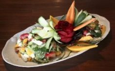 Dez receitas de saladas refrescantes com frutas, folhas e outros ingredientes - Receitas - GNT