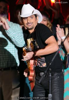 Brad Paisley Photo (47th Annual CMA Awards Red Carpet at the Bridgestone Arena in Nashville TN) http://www.icelebz.com/events/47th_annual_cma_awards_red_carpet_at_the_bridgestone_arena_in_nashville_tn/photo9.html