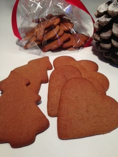 Peberkager – små hyggelige kager med stor smag Gingerbread Cookies, Christmas Cookies, Danish Food, Christmas Mood, Good Food, Brie, Food And Drink, Christmas Decorations, Cooking Recipes