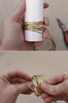 DIY Gold Wire Napkin Rings How to make gold wire wrapped napkin rings in 15 minutes for a an elegant and stylish table setting. Includes tips for selecting wire & customization options. Gold Napkin Rings, Christmas Napkin Rings, Gold Napkins, Wedding Napkins, Diy Wedding Napkin Rings, Diy Napkin Rings Thanksgiving, Wedding Table, Gold Rings, Gold Diy