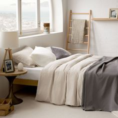 You Don't Know About Zara Home Linen Bed Linen Could Be Costing to More Than You Think - homesdecoring Brown Bed Linen, Neutral Bed Linen, Zara Home Linen, Bed Linen Design, Luxury Bedding Sets, Design Your Home, Cool Beds, Linen Bedding, Bed Linens