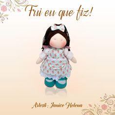 Boneca feita pela Janice Helena do Pinguinho de Arte - Janice. O tecido utilizado para fazer o vestido é da coleção Shabby Chic.