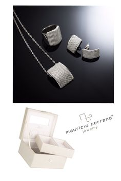 Atesora las Joyas de Mamá!!! Compra 5mil pesos en joyería y llévate este alhajero con valor de mil quinientos pesos. #UnaVerdaderaJoya Vigente del Lunes 4 al domingo 10 de Mayo. Exclusivo página web y Showroom.   Shop www.mauricioserrano.com.    #MauricioSerrano #Mexico #2015 #Love #Mama #Mayo #Jewelry #Joyas #Art #Fashion #Silver #Plata #