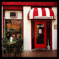2. The Chicago Cafe in Florence, Alabama serves amazing gourmet hot dogs and pizzas!