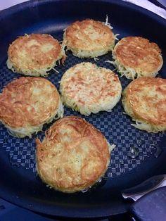 Connaissez vous les Rösti? Une façon originale de manger des pommes de terre. Peu d'ingrédients pour réaliser ces galettes et régal assuré!