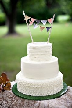 this is what i want to do for eastons cake only with stars instead of little flags and chocolate frosting