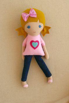 Muñeca de tela trapo muñeca rubia con pelos en el por rovingovine