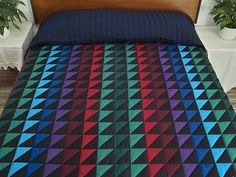 Triangles Quilt -- splendid specially made Amish Quilts from Lancaster (hs3783)