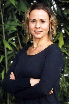 Giulia Gam volta à TV vivendo atriz canastrona e encrenqueira - http://colunas.revistaepoca.globo.com/brunoastuto/2013/04/06/giulia-gam-volta-a-tv-vivendo-atriz-canastrona-e-encrenqueira/ (Foto: Reprodução)