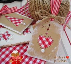 Christmas gift tags red gingham for a home spun feel. Christmas Gift Wrapping, Christmas Tag, Handmade Gift Tags, Theme Noel, Card Tags, Card Kit, Homemade Cards, Christmas Crafts, Paper Crafts