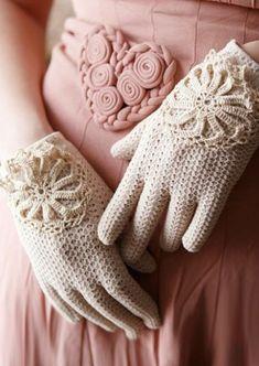 Ladylike crochet gloves via whichgoose on etsy. Vintage Dresses, Vintage Outfits, Vintage Fashion, Gants Vintage, Vintage Gloves, Crochet Gloves, Lace Gloves, White Gloves, Wool Gloves