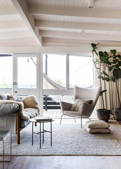 Simone Haag's house featured on The Design Files. Love the rug and the 'lightness' of the room. My Living Room, Home And Living, Living Spaces, Living Area, Simple Living, Cottage Living, Cozy Living, Modern Living, Decoration Inspiration