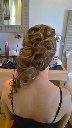 Hairstyles for long hair in Rome Italy by Janita Helova www.janitahelova.com https://www.facebook.com/hairandmakeuprome