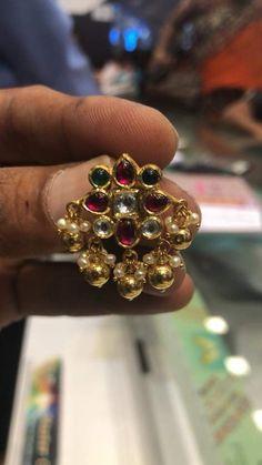 India Jewelry, Gold Jewellery, Diamond Jewelry, Beaded Jewelry, Jewelery, Jewelry Necklaces, Gold Jhumka Earrings, Antique Earrings, Antique Jewelry