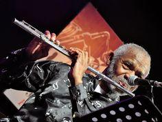 """Nos dias 13 e 14 de agosto, o """"Festival Moacir Santos"""" homenageia esse grande maestro pernambucano. Saiba mais"""
