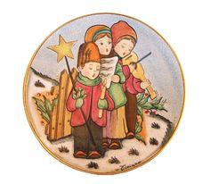 "V. TIZIANO/VENETO FLAIR Collectible Christmas Plate, ""The Carolers.""  Limited Ed Christmas Plates, Collection, Art, Art Background, Kunst, Christmas Dishes, Art Education"
