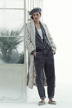 Winter Mode, Fall Winter, France Outfits, Knit Fashion, Womens Fashion, Shirt Skirt, Brunello Cucinelli, Comfortable Fashion, What To Wear