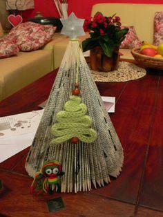 Vánoční stromeček: knižní a dutinkový