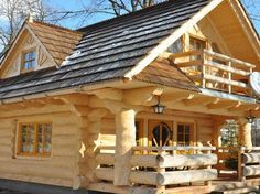 Tahle malá chata má jen 27 metrů čtverečních! Uvnitř ale najdete něco překrásného!