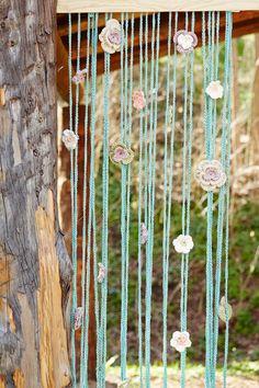Sencillo y muy vistoso: una cortina veraniega Crochet Home, Love Crochet, Knit Crochet, Beaded Curtains, Diy Curtains, Wind Chimes, Macrame, Diy And Crafts, Mandala