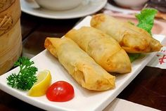 EL BOTANERO: ROLLITOS PRIMAVERA, COMIDA CHINA, RECETA Asian Recipes, Healthy Recipes, Ethnic Recipes, My Favorite Food, Favorite Recipes, China Food, Diy Food, Food And Drink, Yummy Food