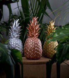 Achetez la lampe Pina Colada sur lavantgardiste illuminez votre intérieur avec ses tons festifs.