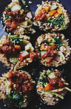 YAK-GOCHUJANG KIMBAP aka YAK0GOCHUJANG GIMBAP (red pepper paste with beef kimbap) [Korea] [peegaw] [sushi]