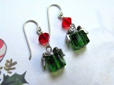 Pendientes presentes de Navidad, vacaciones pendientes, pendientes de Swarovski, pendientes, rojo Navidad joyas, pendientes presentes verde
