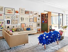 Architectural Digest offers a tour inside the home of Brian Donnelly, aka KAWS, who built an art-filled, kid-friendly space in Brooklyn Small Room Design, Home Room Design, Dream Home Design, Home Interior Design, Living Room Designs, Living Room Decor, Bedroom Decor, House Design, Living Rooms
