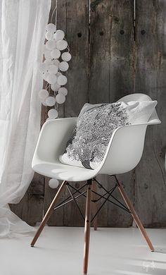 Ken je klassiekers. De Eames DAW van Vitra is een ontwerp uit de jaren '50. Ze zijn nog steeds razend populair!
