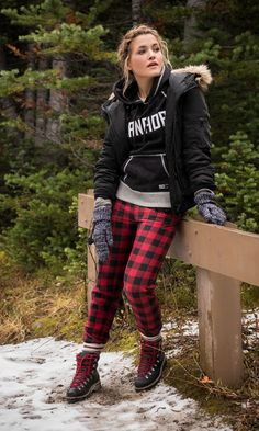 Our made-in-Canada collection, designed to commemorate our Canadian heritage. Winter Outfit For Teen Girls, Winter Outfits For Work, Casual Winter Outfits, Outfits For Teens, College Outfits, Cold Weather Leggings, Cold Weather Outfits, Winter Wear, Autumn Winter Fashion