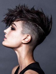Short spiky hairstyles for women have been known to have a glamorous and sassy look in quite a simple way. Women often prefer these short spiky hairstyles. Undercut Mohawk, Mohawk Hairstyles Men, Short Spiky Hairstyles, Short Hair Undercut, Short Pixie Haircuts, Short Hair Cuts, Short Hair Styles, Short Mohawk, Women Short Hair
