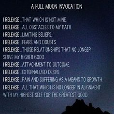How to Manifest With New Moon and Full Moon Rituals Full Moon Spells, Full Moon Ritual, Full Moon Meditation, Deep Meditation, Meditation Images, Meditation Altar, Mantra, Affirmations, Stage Yoga