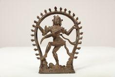 Lot 417 - Arte Indiana. A bronze statue portraying Shiva Nataraja Southern India, Tamil Nadu, 16th century .