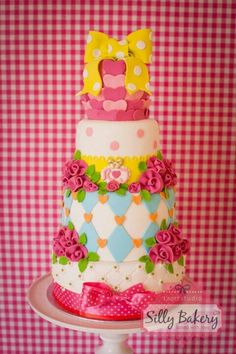 .i want to incorporate this into my tea party/Alice And Wonderland looking cake