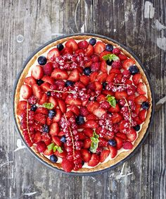 Zomerse fruittaart met héél veel fruit (en room!)