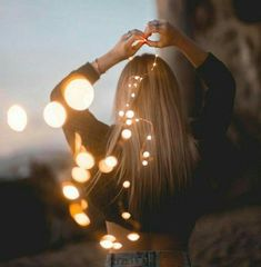 Image about girl in Inspire by Luiza Andrade on We Heart It Andrade girl Heart image Inspire Luiza Fairy Light Photography, Tumblr Photography, Girl Photography Poses, Amazing Photography, Nature Photography, Lifestyle Photography, Photography Backgrounds, Creative Portrait Photography, Photo Portrait